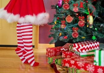 """""""Non ti meriti i regali di Babbo Natale e della Befana"""": la frase della condanna"""