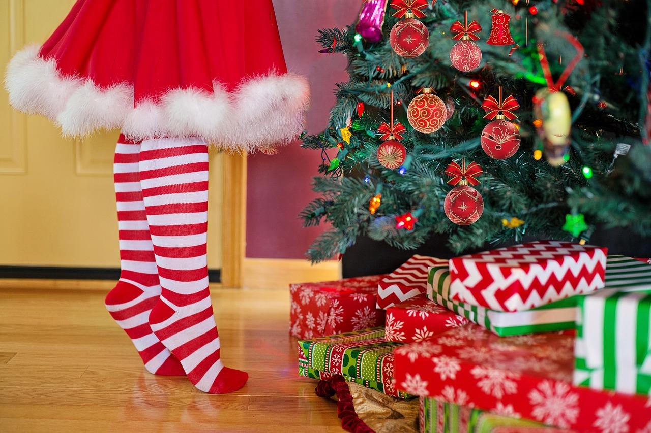 Regali Di Babbo Natale.Babbo Natale E Befana Non Si Toccano Il Tuo Legale