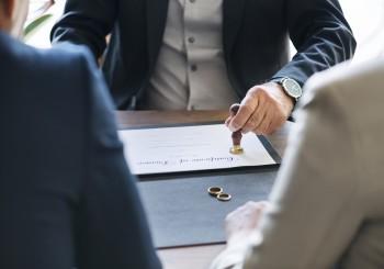 Assegno divorzile negato in assenza di coabitazione