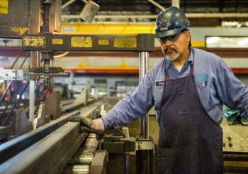 Pausa bagno negata al lavoratore: azienda condannata