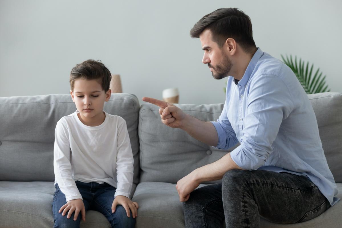 affidamento esclusivo figli padre autocentrato