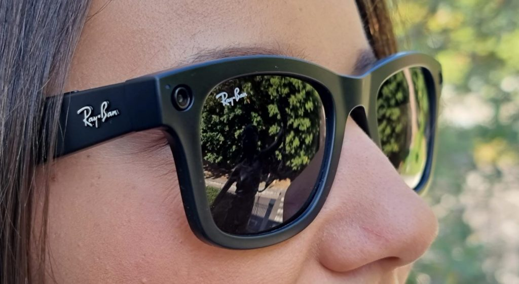 ray-ban stories facebook luxottica privacy